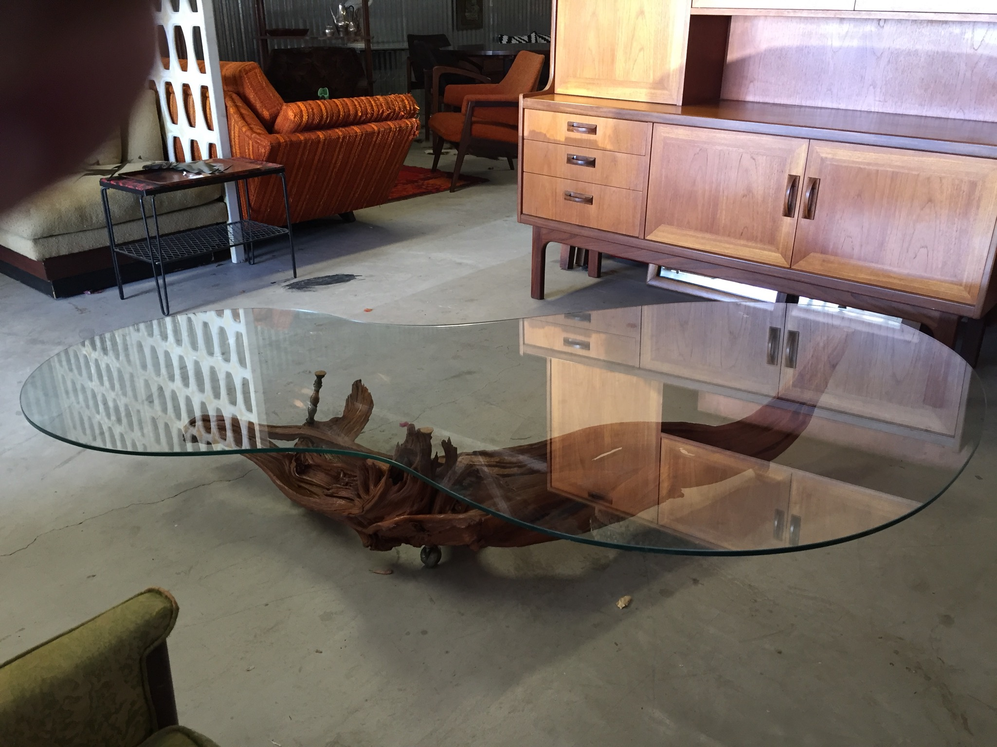 Driftwood Coffee Table.Driftwood Coffee Table With Thick Glass Top